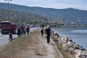 Walk to Skaramagas refugee camp - Athens, Greece